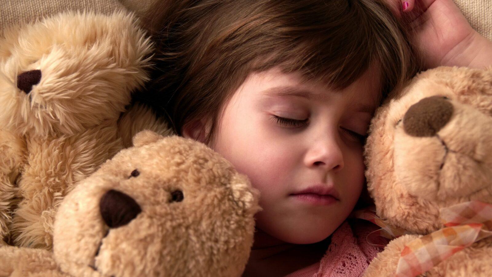 Во сколько укладывать ребенка спать: родители в восторге от пользы этой таблицы!