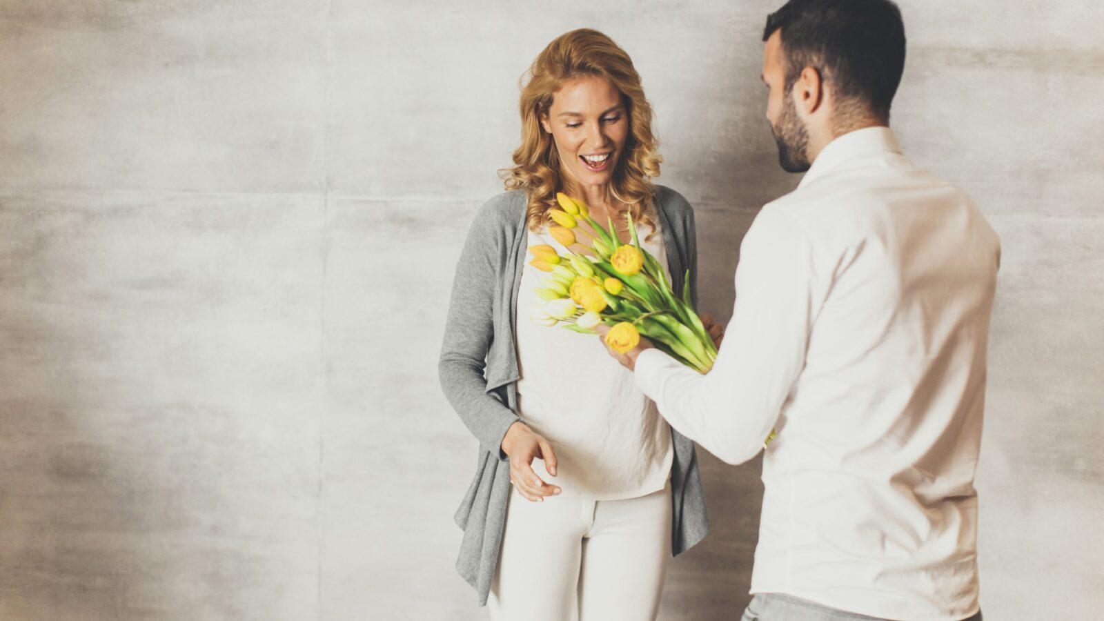 Говорят, если мужчина неуважительно относится к своей женщине, то от него отворачивается удача. Почему так происходит?