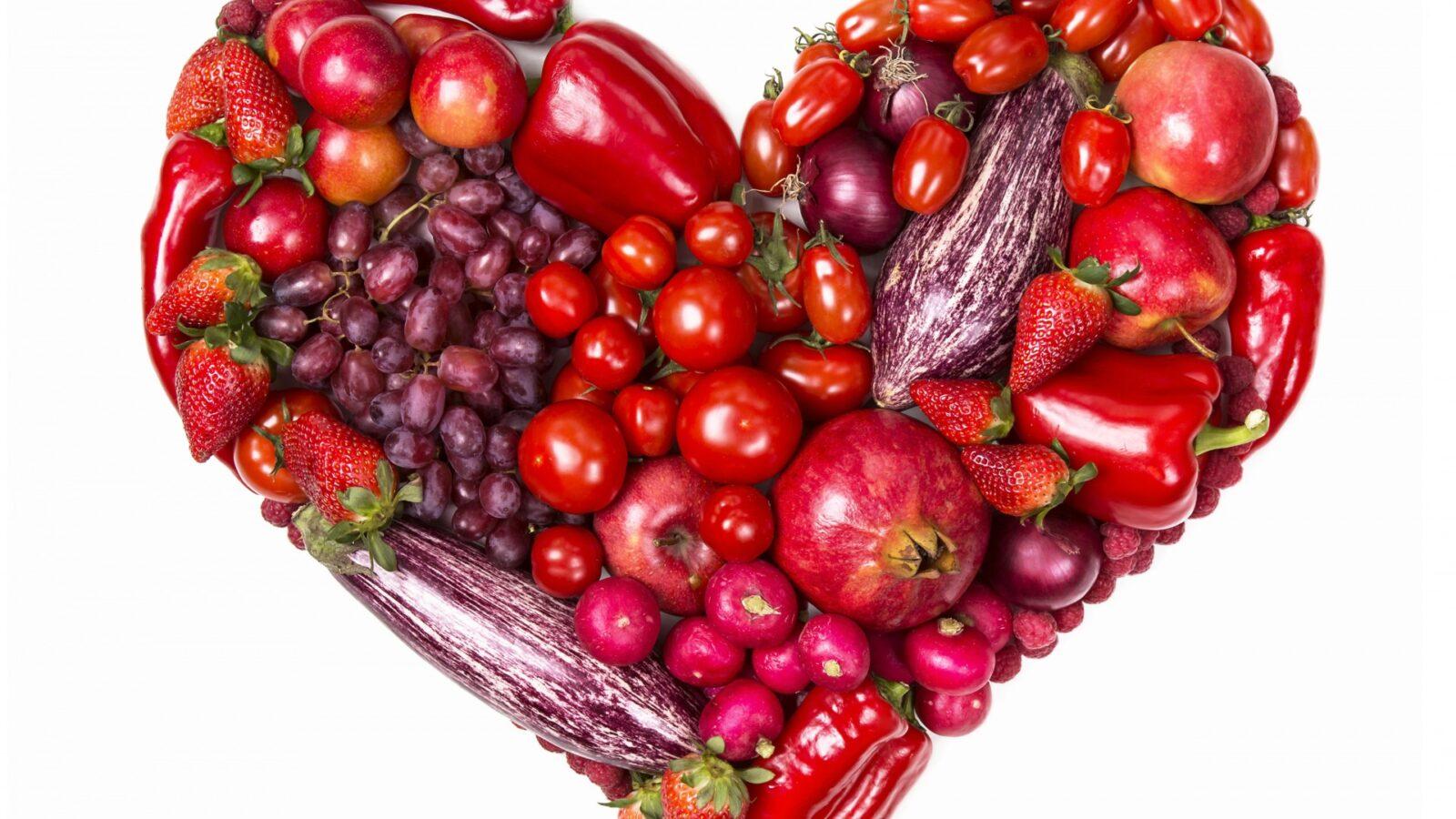 7 ягод и фруктов, которые полезнее есть с косточками