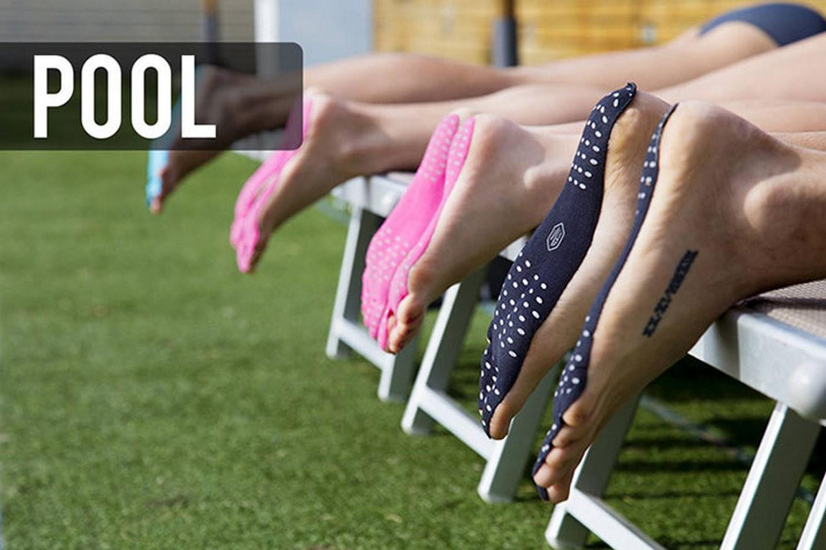Чао, шлепанцы! Новая пляжная мода — наклейки на ступни!