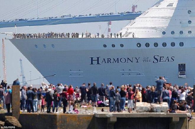 круизный лайнер гармония морей harmony of the seas