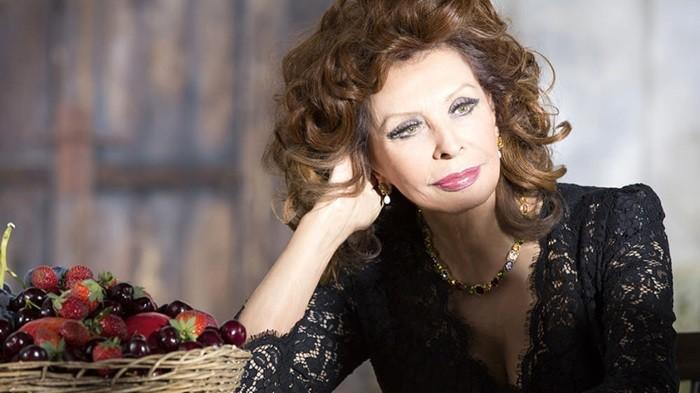 Как сейчас выглядит 82-летняя Софи Лорен. Это поразительно!