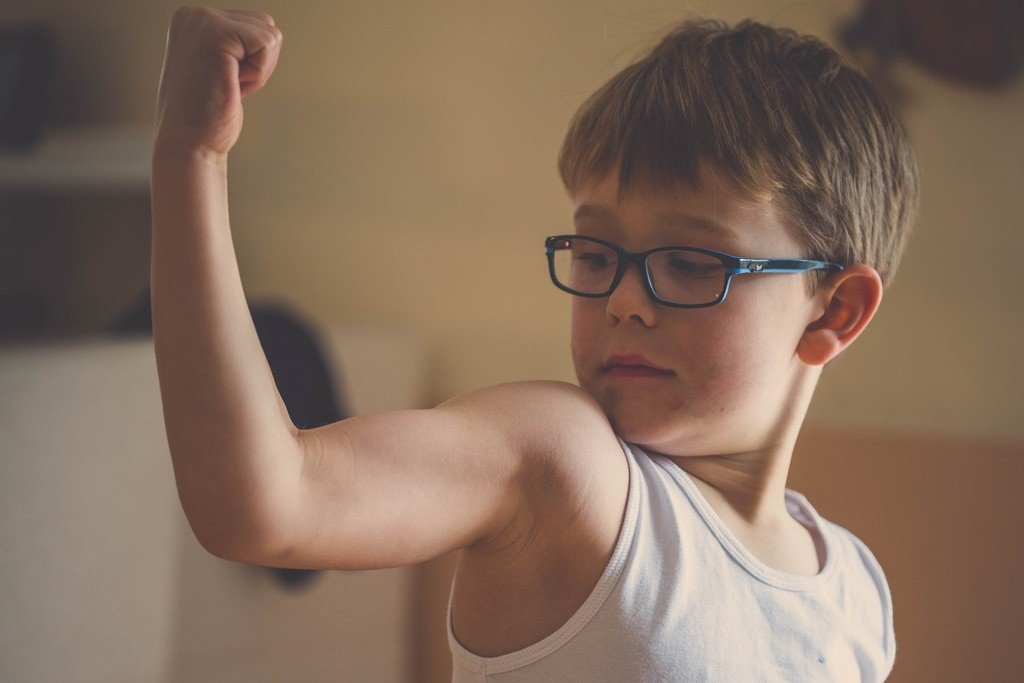 Как научить ребенка постоять за себя: важные правила