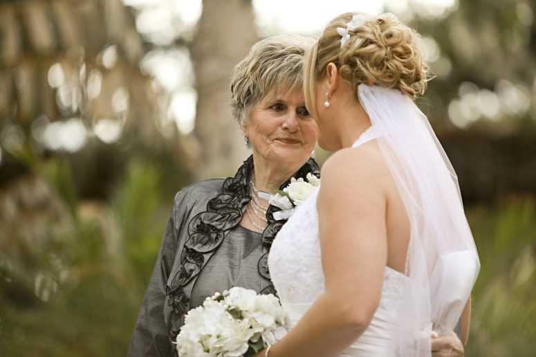 прически фото для бабушки невесты