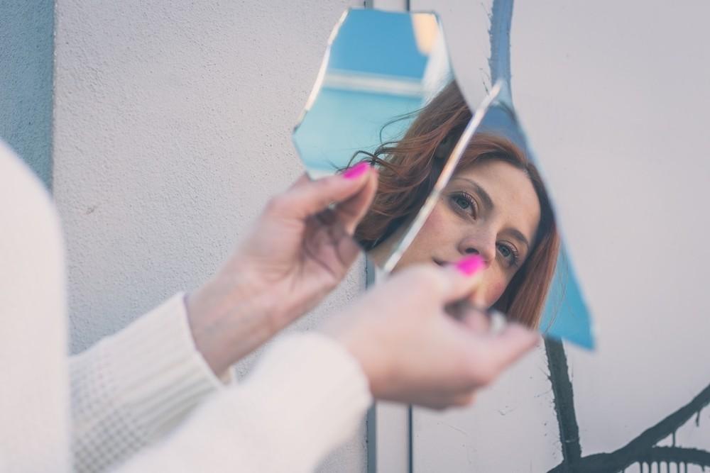 Что можно и чего нельзя делать перед зеркалом