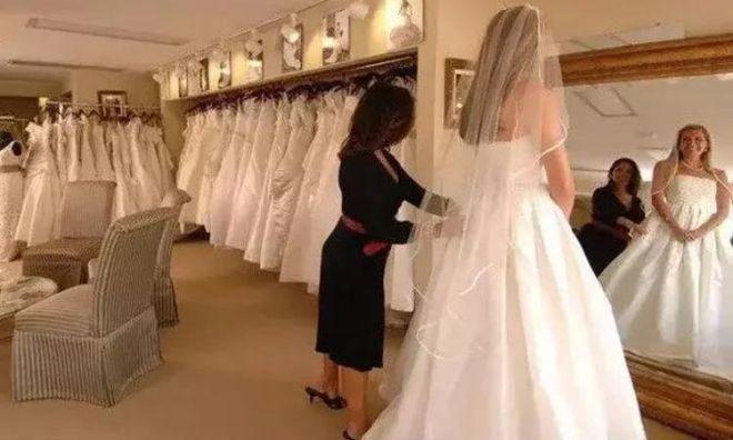 Происшествие в свадебном салоне. Так им и надо!
