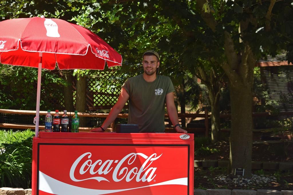 Можно ли детям пить Кока-колу? Отвечает доктор Комаровский.
