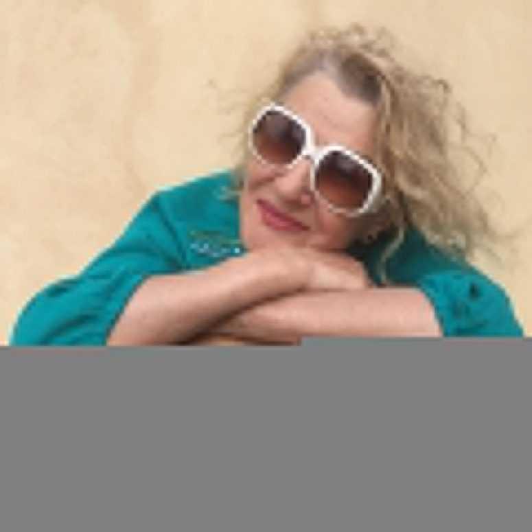 81-летняя Светлана Дружинина показала себя в ... купальнике!
