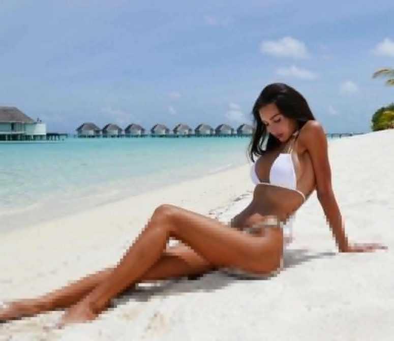 Оксана Самойлова многодетная жена Джигана, сразила фигурой в бикини — фото