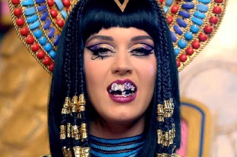 Хит этого года. Katy Perry — Dark Horse (feat. Juicy J). Смотрим и слушаем с удовольствием!