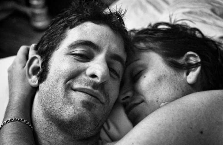 Последний кадр — просто нет слов… Муж фотографирует умирающую от рака жену