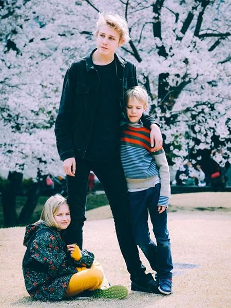 Семья  в полном составе показала фото Наталья Водянова