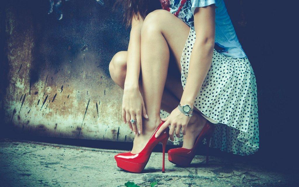 С какими еще проблемами могут столкнуться любительницы каблуков?