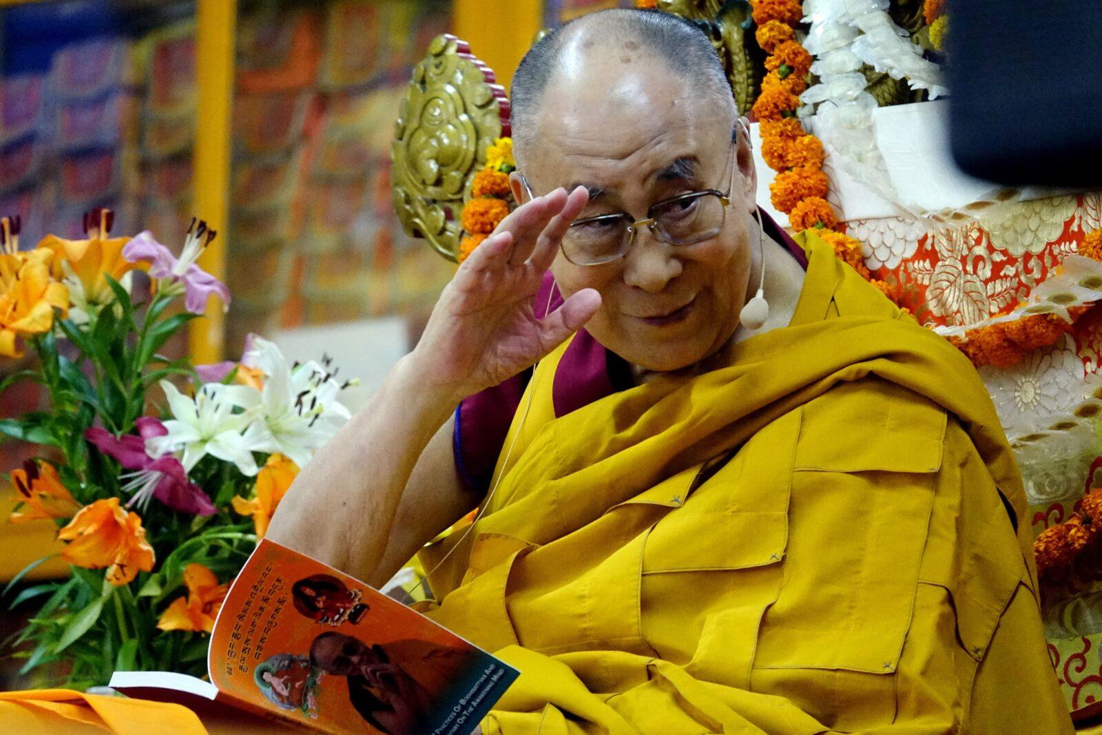 «Единственное предназначение человека – быть счастливым»: Далай-лама