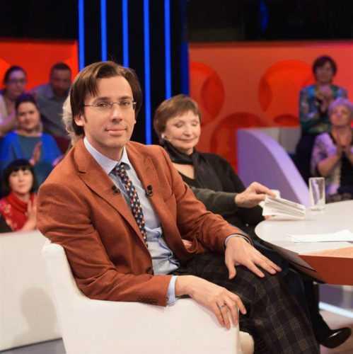 Поклонники не оценили новый молодёжный образ Аллы Борисовны, назвав его комичным