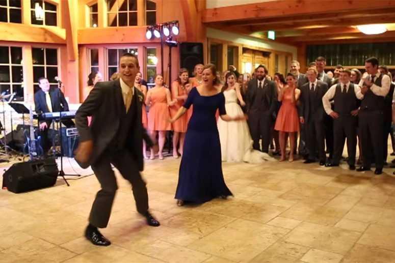 Вот это зажгли! Танец жениха с мамой – гости ошеломлены