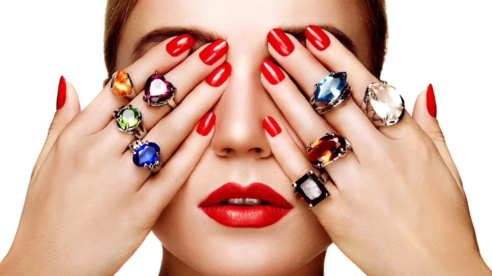 Что о своем владельце могут рассказать кольца на пальцах