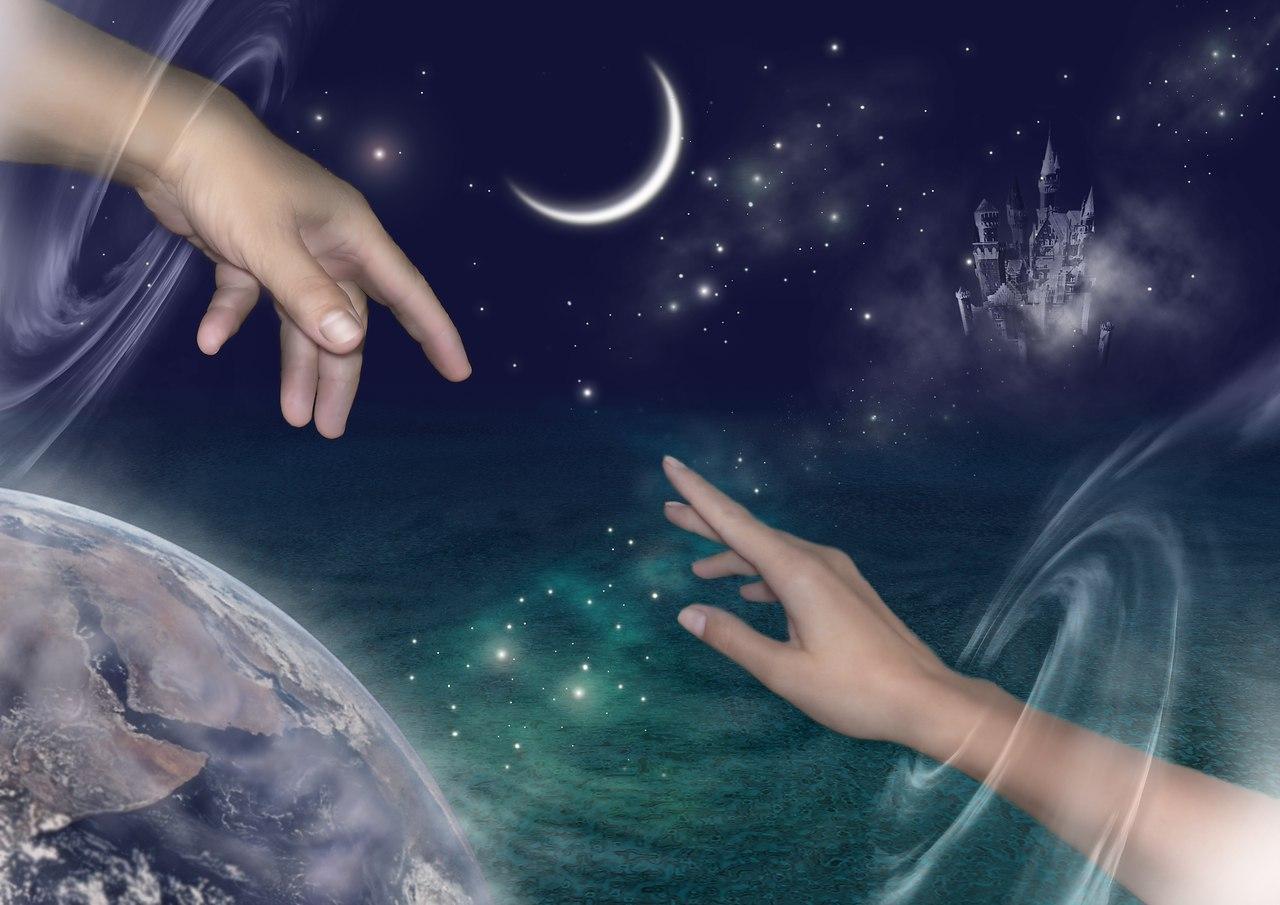 Те, кому судьбой предназначено встретиться, соединены невидимой нитью