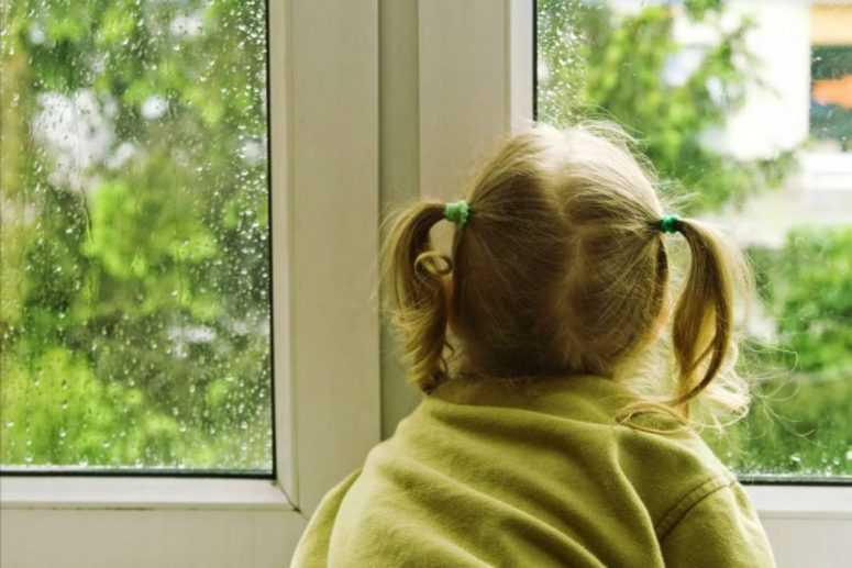 Грабители войдя в квартиру увидели 6-летнюю девочку. То, что произошло дальше они запомнили надолго