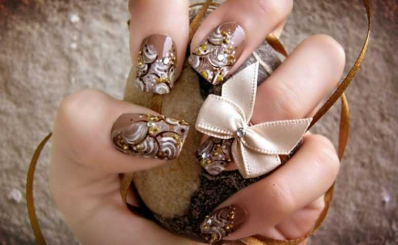 Модный шоколадный маникюр