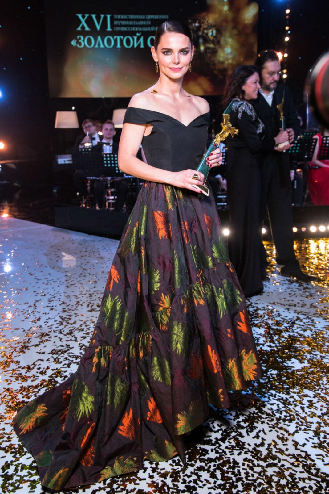 Лиза Боярская затмила всех на премии Золотой орел