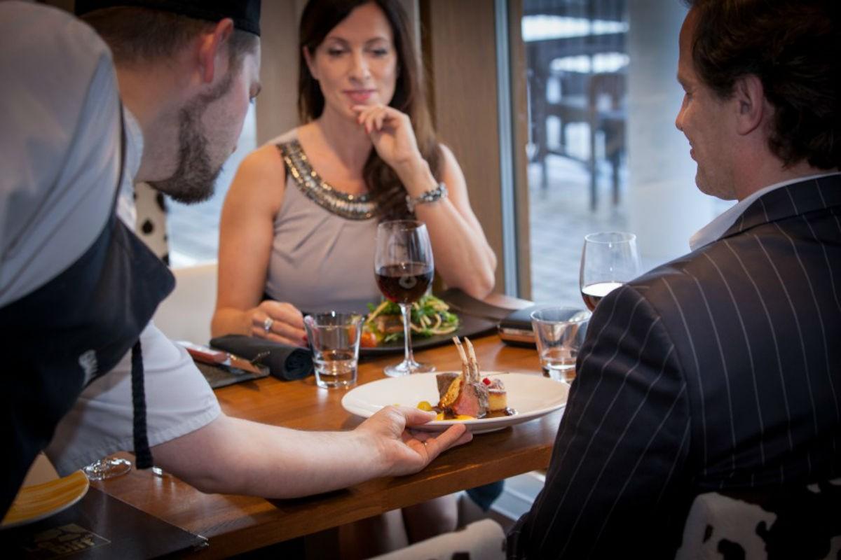 Простые правила этикета в дорогом ресторане, которые стоит запомнить каждому, чтобы не попасть впросак