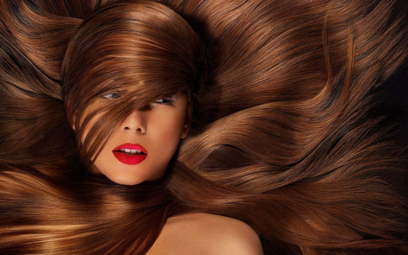 Как увеличить густоту волос  и избавится от перхоти в домашних условиях