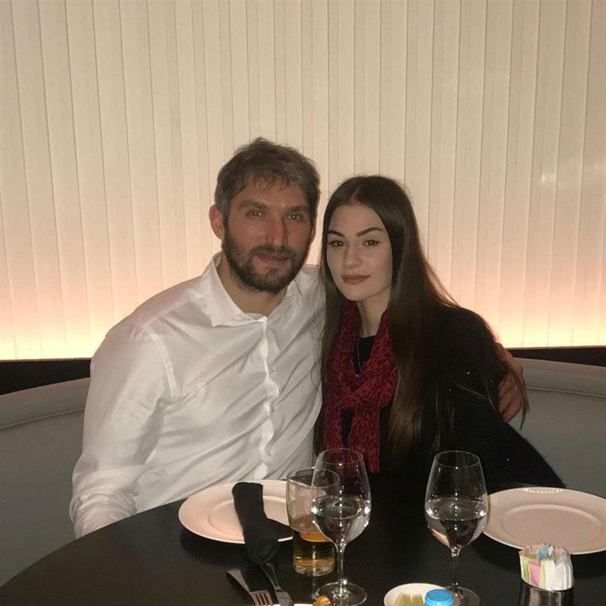 Жена Овечкина стала домохозяйкой: как устроен быт семьи в особняке за $4 млн