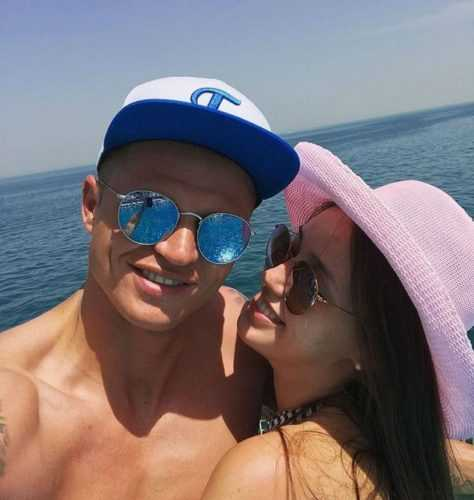 Вот это страсть: Костенко на фоне слухов об измене показала откровенное фото с Тарасовым