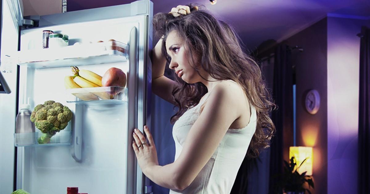 Девушка случайно закрылась в холодильнике. Она плакала, кричала и вдруг случилось Это