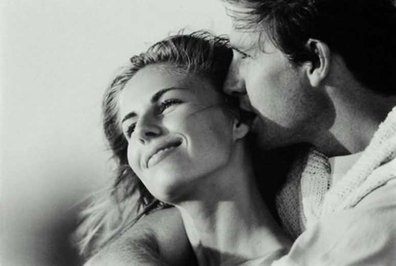 Женщина была старше на двадцать три года, любимому двадцать пять, и муж ничего не подозревал