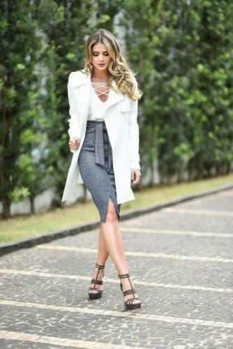Провокационная юбка с запахом: 10 стильных идей