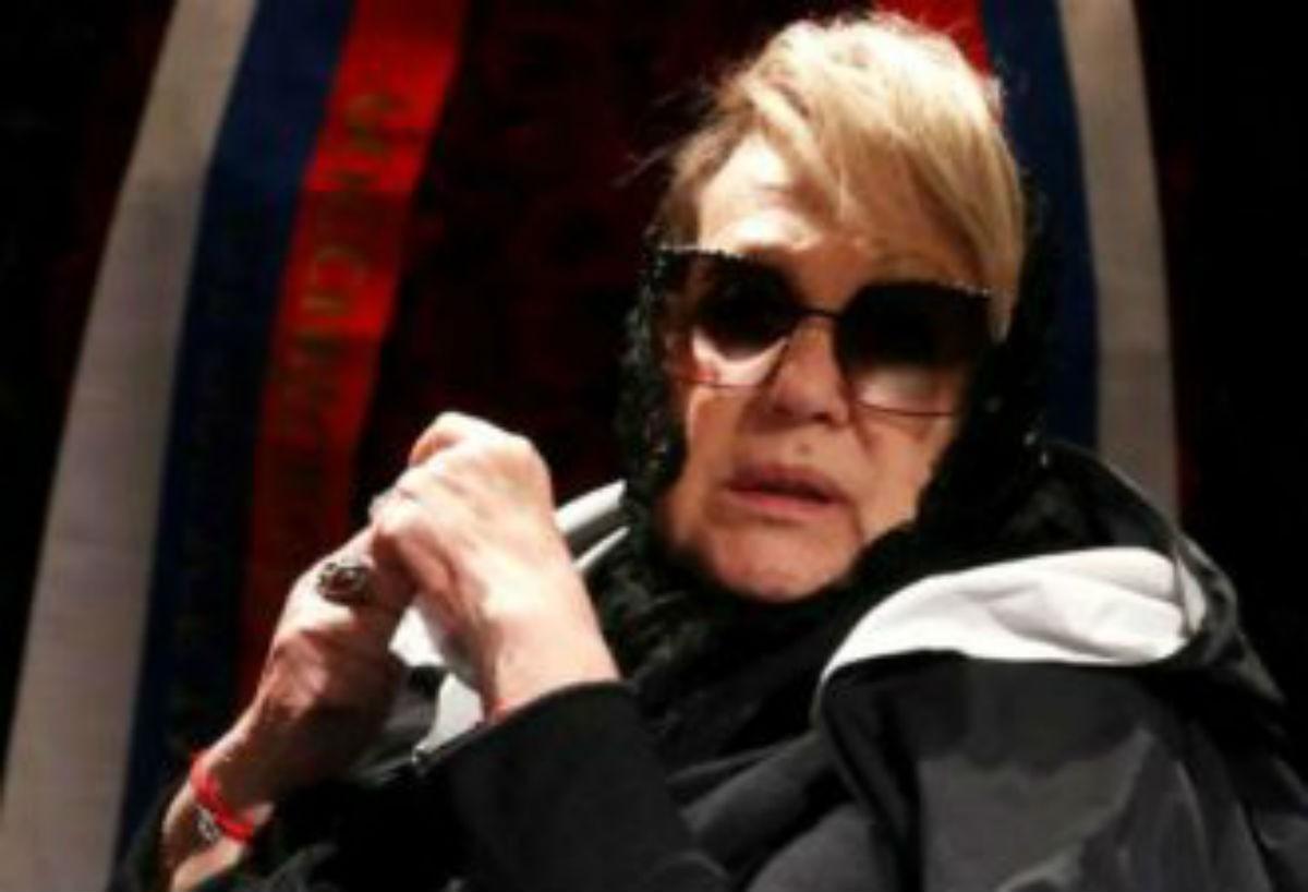 Внешний вид измученной болезнью Галины Волчек в инвалидной коляске потревожило поклонников актрисы