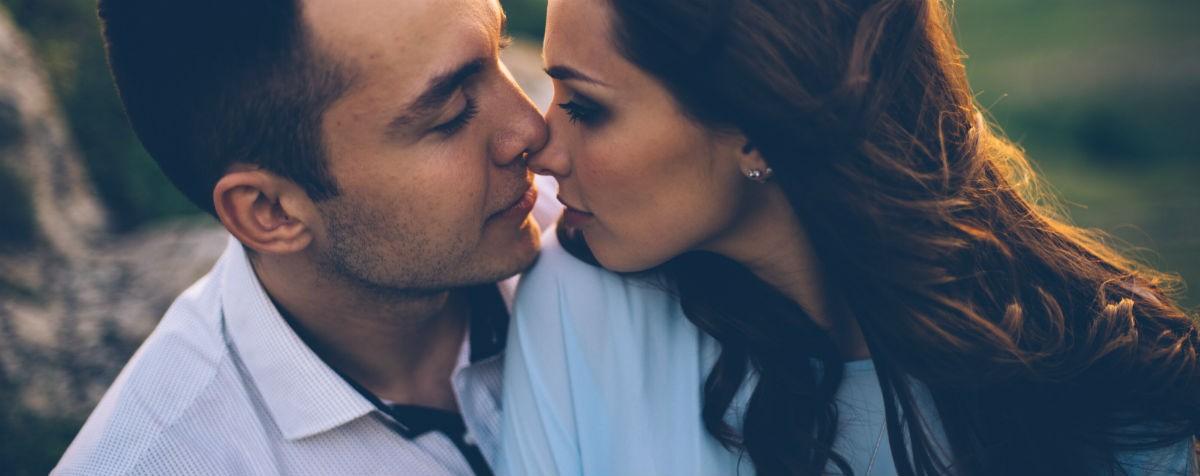 Как женщина интуитивно проверяет мужчину на совместимость: десять фактов