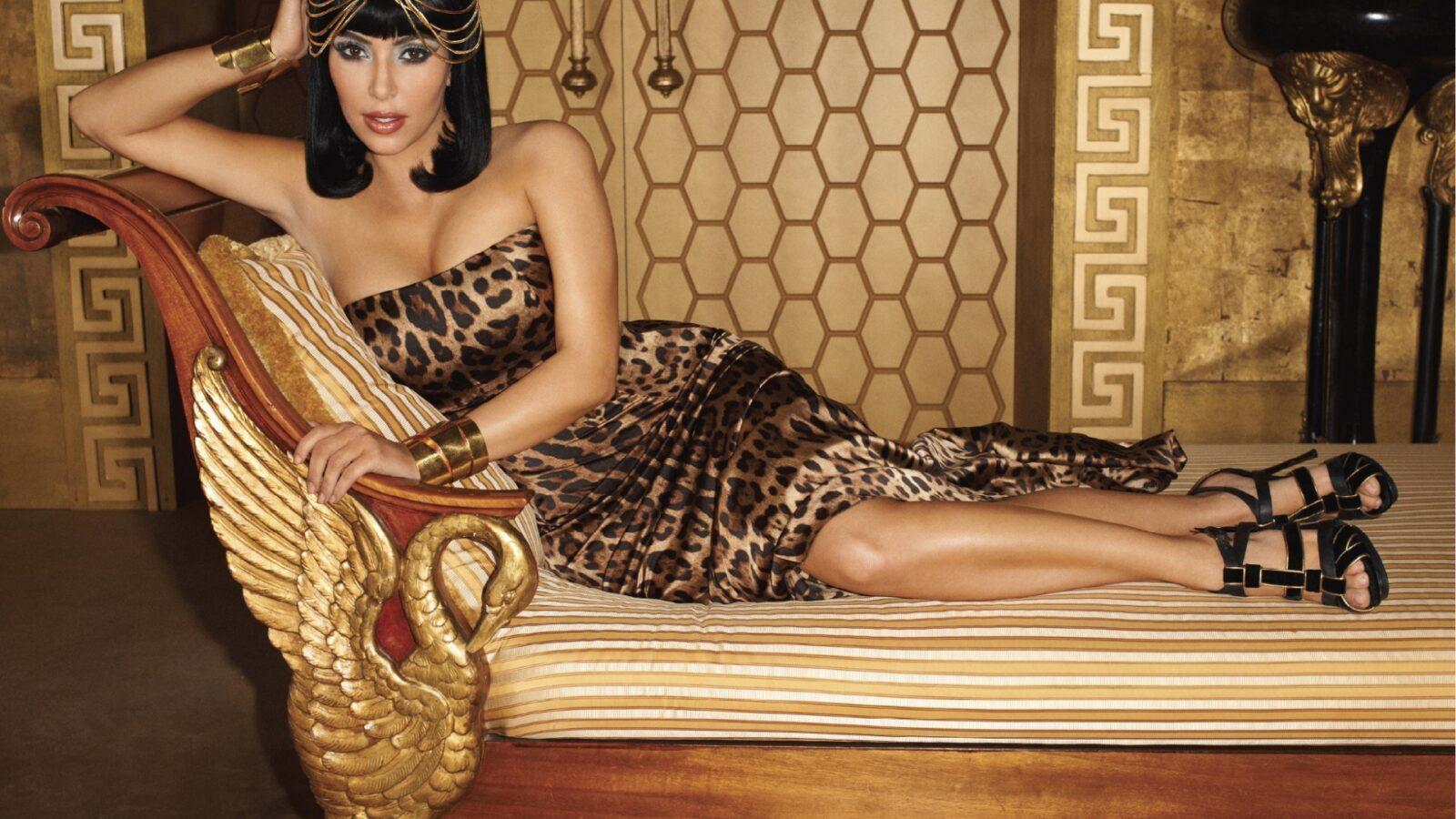 Смотреть секс с царицей, Джессика - императрица похоти (с русским переводом) 20 фотография