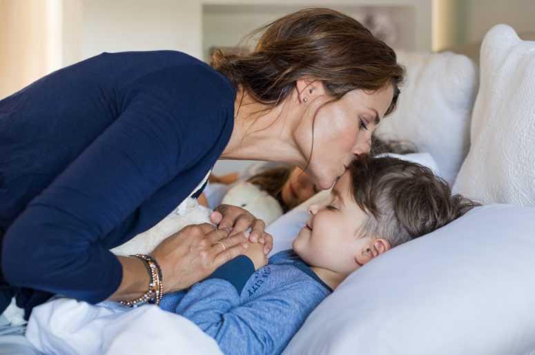 Смотреть сын любовник мама, Сын и мама стали Любовниками - порно видео онлайн 22 фотография