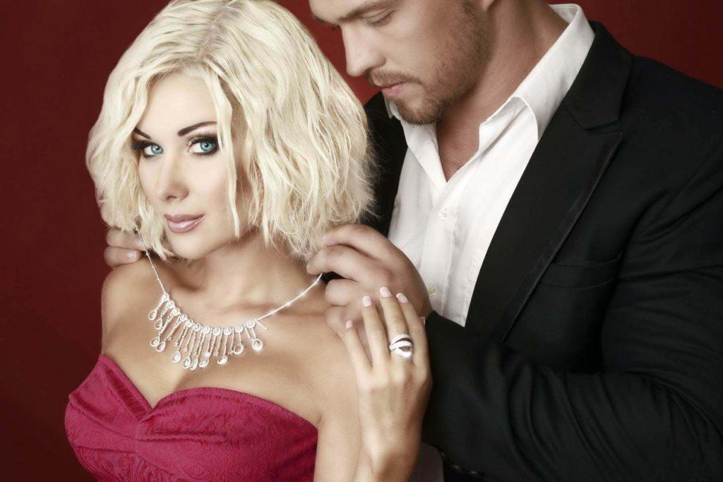 Доказано: чем больше мужчина тратит на любимую женщину, тем успешнее он становится