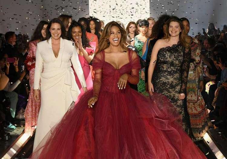 Ломка стереотипов: на Неделе мод в Нью-Йорке модели были размера XL +